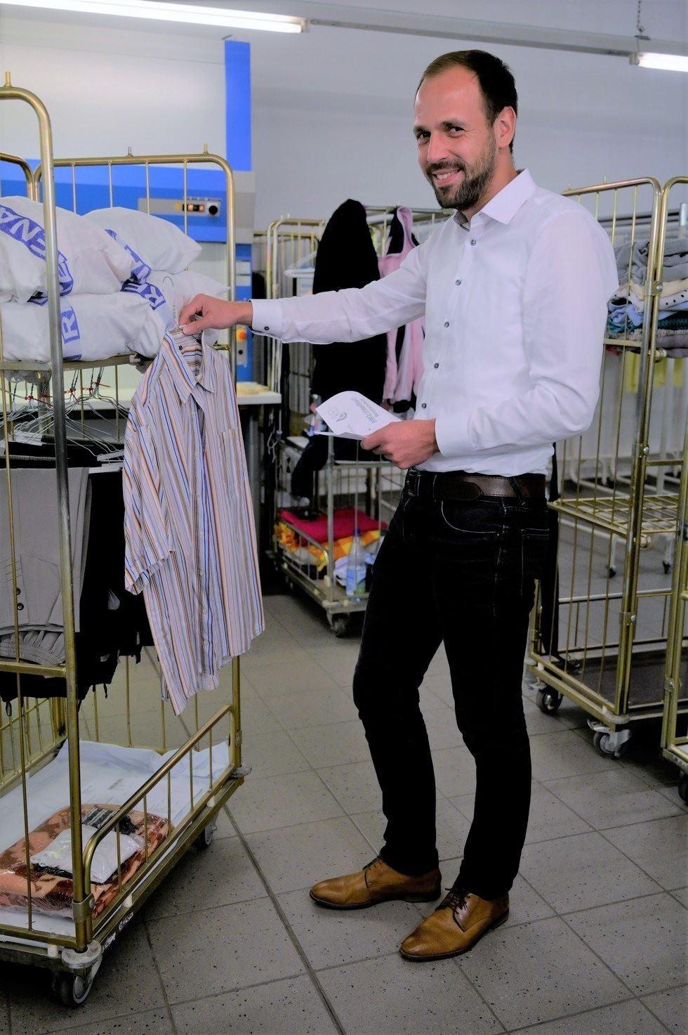 Herr Kellner Betriebsleiter Rena Textilpflege